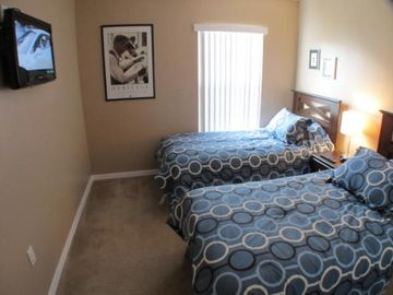 Third bedroom. Twin beds