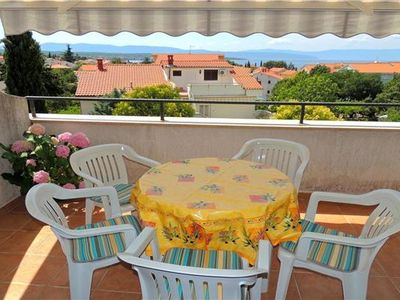 Popular apartment for 5 people close to the beach in Krk