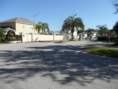 Beautiful 4 BR South Facing Pool Home 5miles from Downtown Disney World
