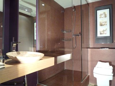 Two bedrooms apartment 'Arago' bathroom