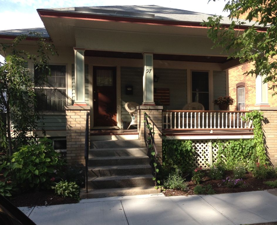 1925 bungalow located in the heart of homeaway for Vacation rentals in saratoga springs ny
