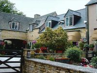 Delightful Apartments in Cotswold village of Bourton