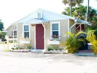'Key West'-style cottage across the street from the Intracoastal in Jensen Beach