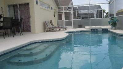 Well designed large pool and hot tu