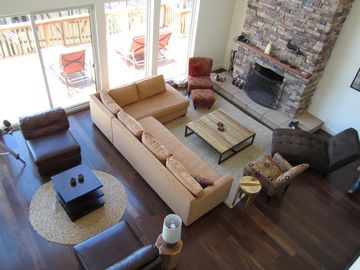 Lake Arrowhead house rental - Tons of stylish seating, all over-looking the lake.
