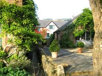 Romantic cottages in the heart of English countryside