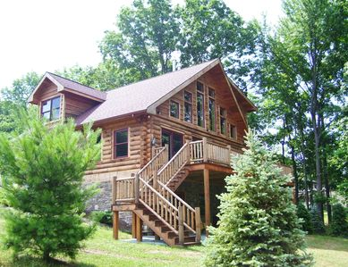 Lakefront custom log home on lake wallenpaupack vacation for Lake cabin rentals pennsylvania