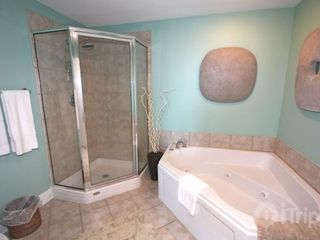 Gulf Shores condo photo - Jetted tub in master bathroom