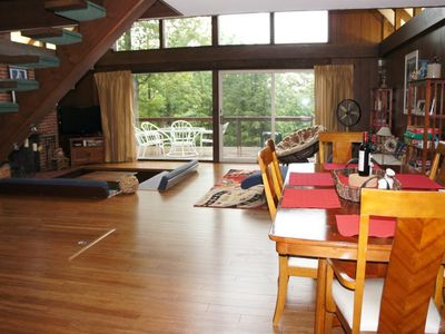 Bromley Mountain chalet rental - bright and open floor plan