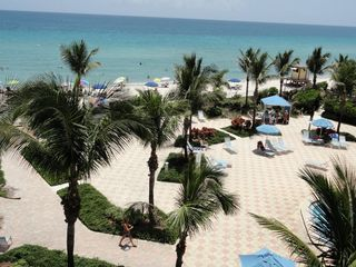 Hollywood Beach condo photo - .