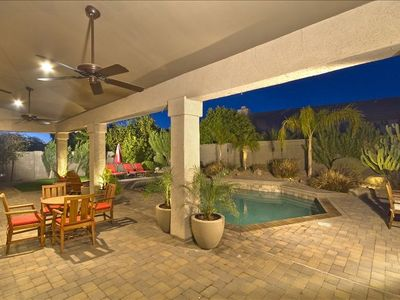 Outdoor dining for 10, heated pool, BBQ, firepit, patio heater, chaise lounges