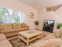 Luxury End Unit - 4 BR, FREE WI-FI, CLOSE TO POOL