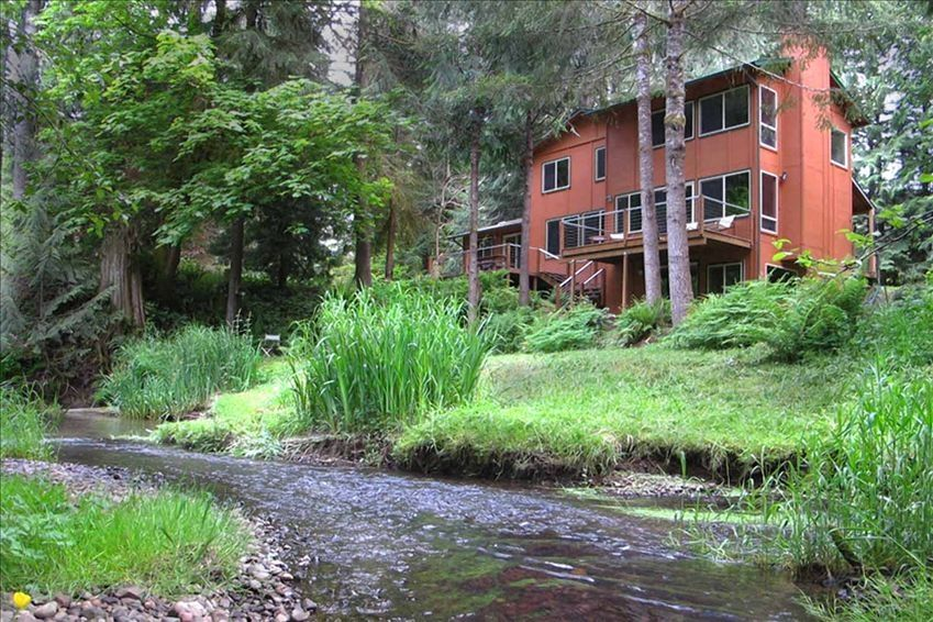 Secluded Stream Pond Near Portland Oregon Vrbo
