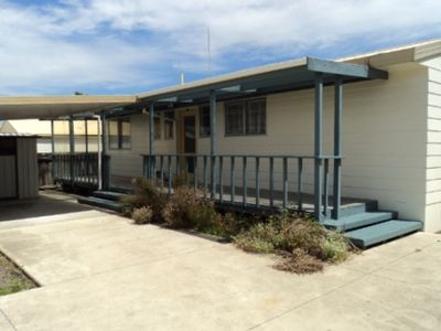 Tauranga Summer House 102B - sleeps 6fr $160/night