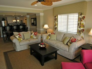 Living Room w/ Queen Sleeper Sofa Coach