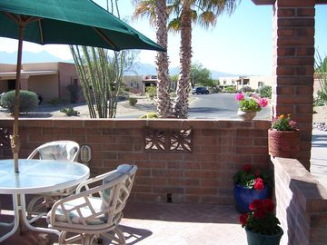 Green Valley townhome rental - Front patio with Mountain View