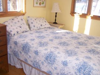 Woodstock cabin photo - One of our comfortable bedrooms upstairs