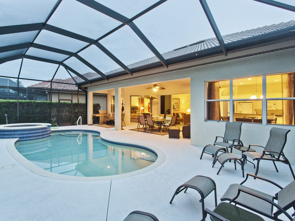 Naples villa rental - Private pool and spa and BBQ
