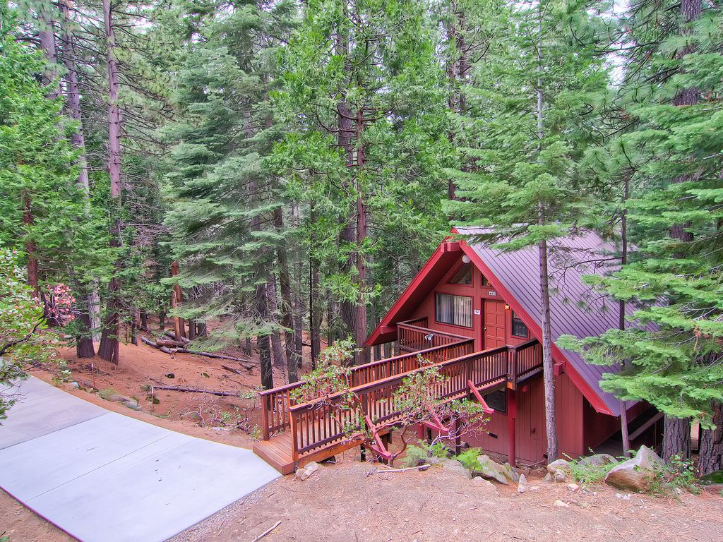 Yosemite escape has 3 bedrooms and 3 bathrooms vrbo for Yosemite national park cabin rentals