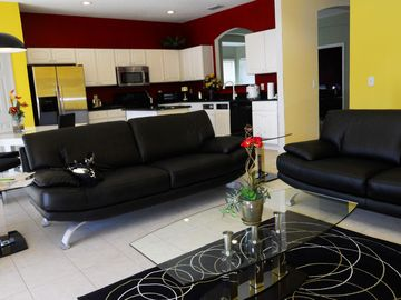 Solana Resort villa rental - Living Room, HDTV, DVD, Wii, Wifi, Leather Sofa
