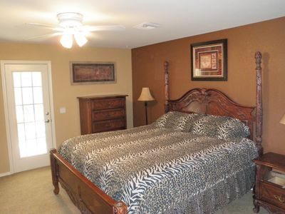Lake Havasu City house rental - MASTER BEDROOM KING BED-- AKA JUNGLE ROOM