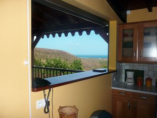 Le Marin villa photo - Cooking while watching the Atlantic
