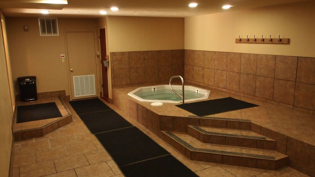 Beautiful Hot tub  with Large Sauna to relax those muscles after a day of skiing