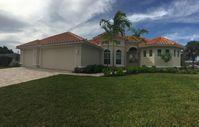 New Spacious luxurious Cape Coral Villa Heated pool incl. boat bookable