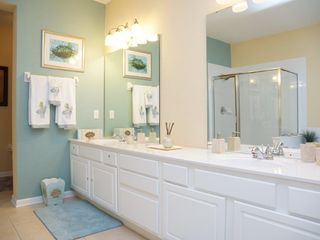 Orlando condo photo - HUGE MASTER BATHROOM DOUBLE SINK SHOWER AND BATH TUB ON THE SIDE