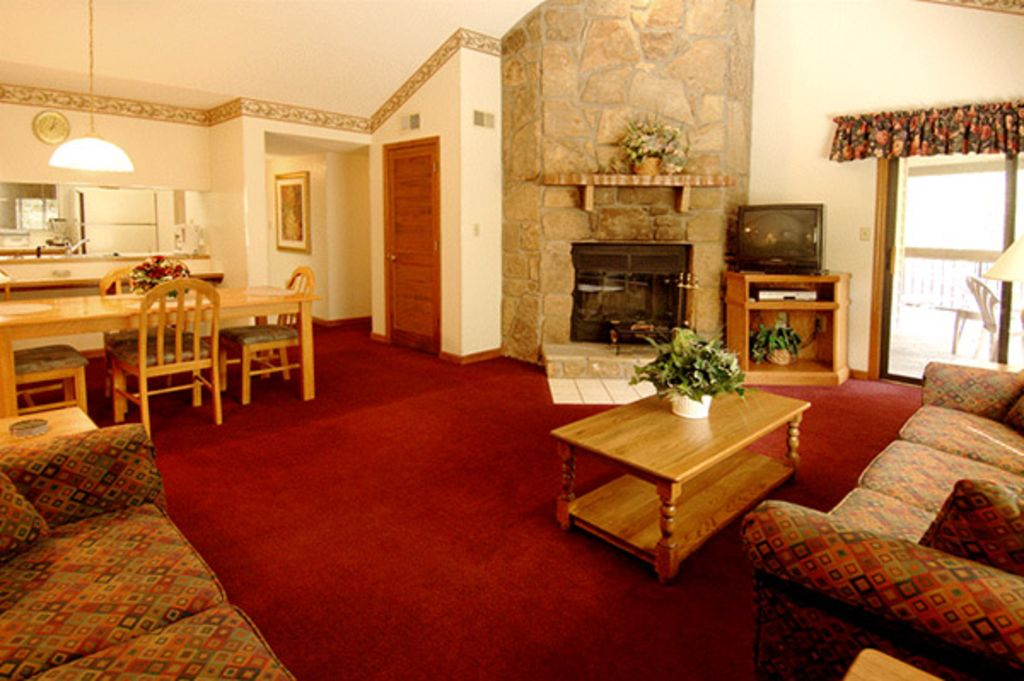 Condo Tucked Away In The Smokies !! 1 Or