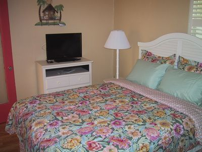 Siesta Key villa rental - Queen Bedroom, with TV and DVD player.