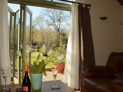 Easy 10-15 Minute Walk To Shrewsburys Historic Town Centre - Willow Cottage Sleeps 2 (1 Bedroom)