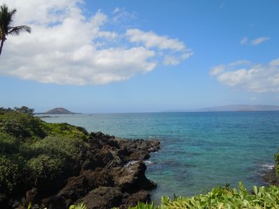 The fabulous Wailea Beach Walk begins just steps away on Keawakapu beach!