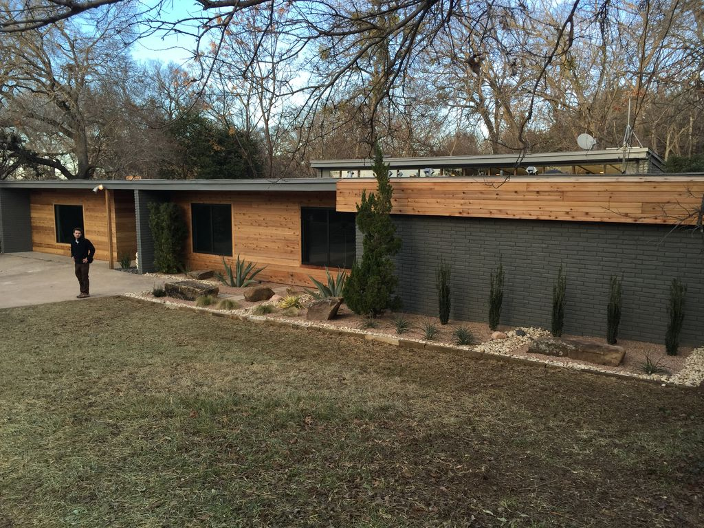 As seen on tvs popular home show stay in vrbo for Cost to build mid century modern home