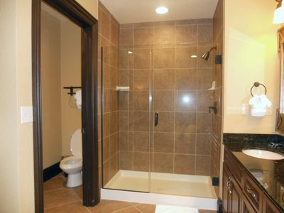 Celebration condo rental - Walk in shower