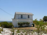 Lighthouse - 3 bed/2 bath ground level beachfront home Alligator Point