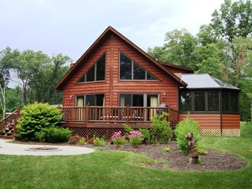 Wisconsin Dells chalet rental - Front of House With Fire Pit
