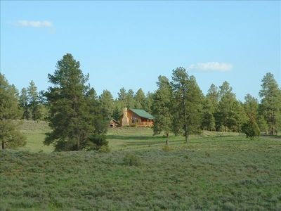 Private secluded cabin and barn on 70 acres