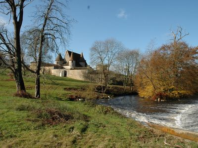 COUNTRY Charente, Angouleme 20km, Castle, nature, river, horses, fishing, quiet,
