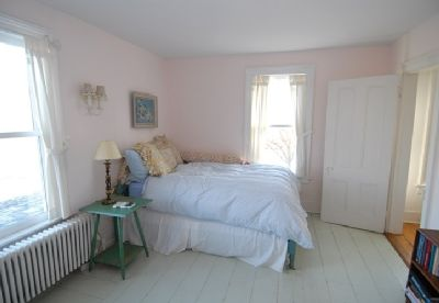 Southampton farmhouse rental - Guest bedroom