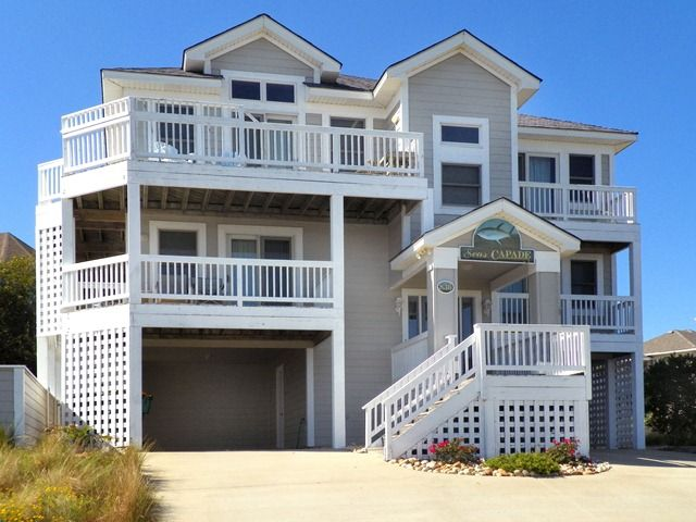 5 BRs, Private Pool, Hot Tub, 3 Master Suites, Community Pool and Tennis!