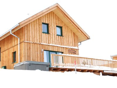 Winter holidays in a class! New holiday chalet right on the slopes!