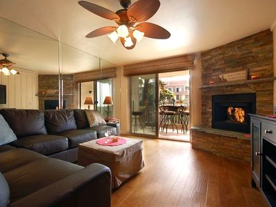 FAMILY ROOM WITH REMOTE CONTROL FIREPLACE