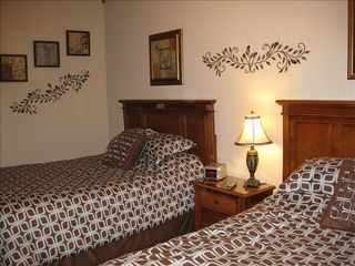 Orange Beach condo photo - Second Bedroom includes 1 queen bed and 1 full bed and separate bath