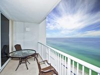 Majestic Direct Beachfront Condo, Family Friendly Fun!