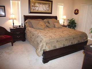 "Cape Coral house photo - King bed, 32"" TV, tempurpedic mattress, sliders"