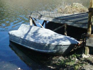 Tulloch Lake house photo - Boat with Trolling Motor at Dock (plus 7 ft. pontoon boat, canoe, blow-up kayak)