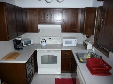 Fully equipped kitchen, complete with utensils, all appliances and  dishwasher