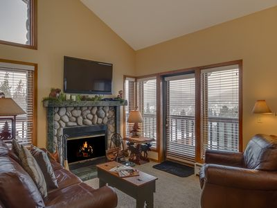 Family room with views to Baldy and town