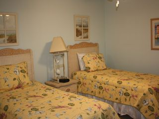 New Smyrna Beach townhome photo - Bedroom # 4 downstairs with 2 twin beds. Located next to downstairs bonus room.